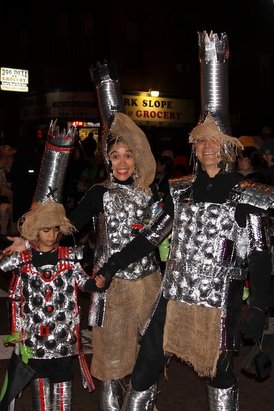 2011.10.31 Street Halloween Parade.ss-31.jpg