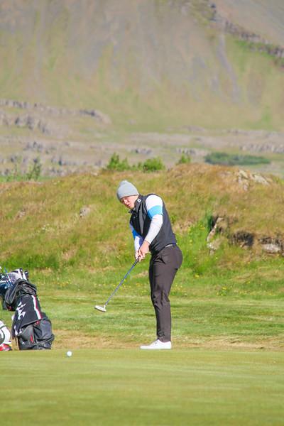 Hákon Örn Magnússon, GR, á 9. flöt á Garðavelli.  Mynd/seth@golf.is