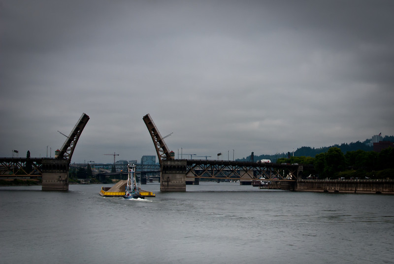 Portland 201208 Steel Bridge (18).jpg