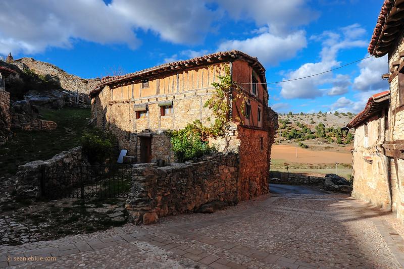 KCMB catalanazor village 2000-70-1194.jpg
