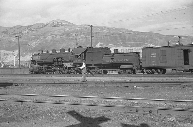 UP_2-8-2_2290-with-train_Salt-Lake-City_Oct-5-1947_Emil-Albrecht-photo-230-rescan.jpg