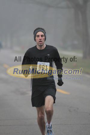 5K & 10K at 0.5 mile mark - 2012 Jingle Bell Run Bloomfield