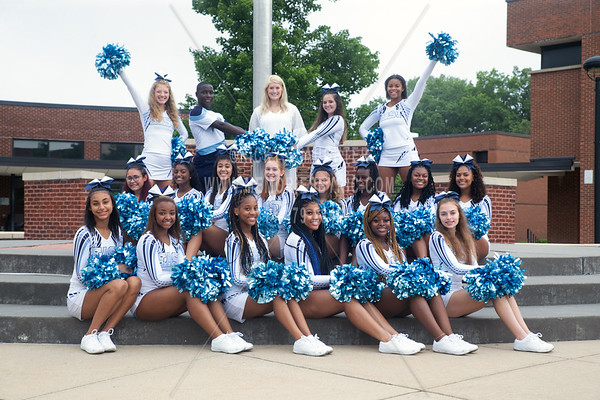 Belleville East Cheerleaders 2021