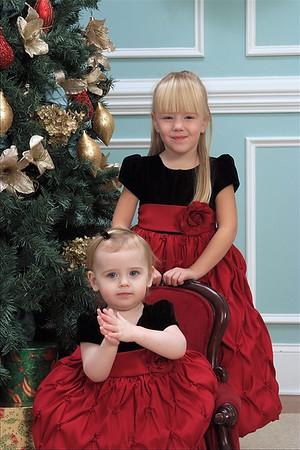 2009-11-Caila-n-Aubrey-Holiday