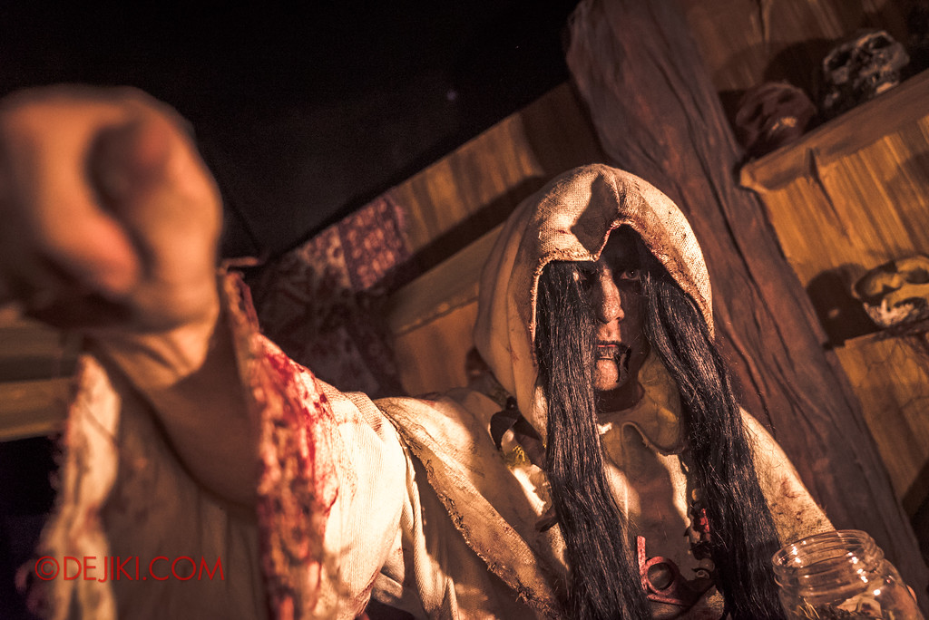 Halloween Horror Nights 7 Behind the Scenes: A Tour Inside HEX haunted house, Dust Spell