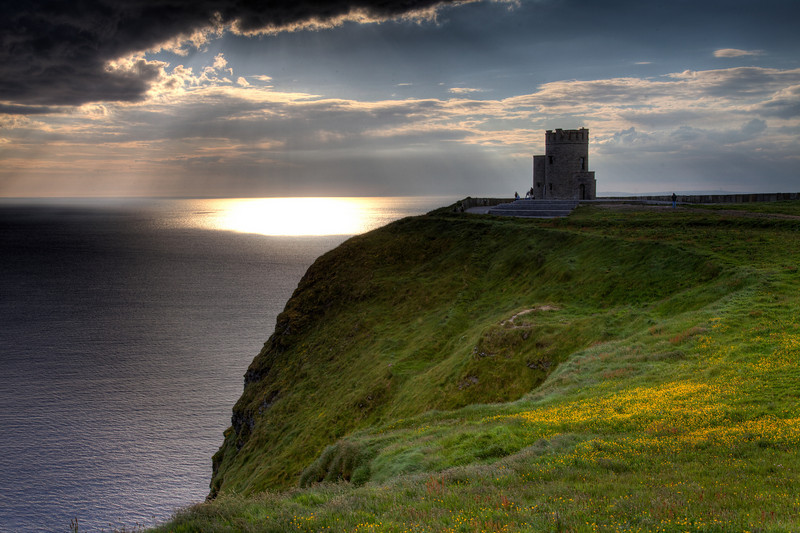 Cliffs of Moher Lookout Tower.jpg