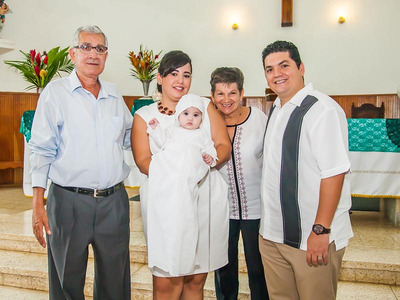 2014.09.07 - Bautizo de María Lourdes (120).jpg