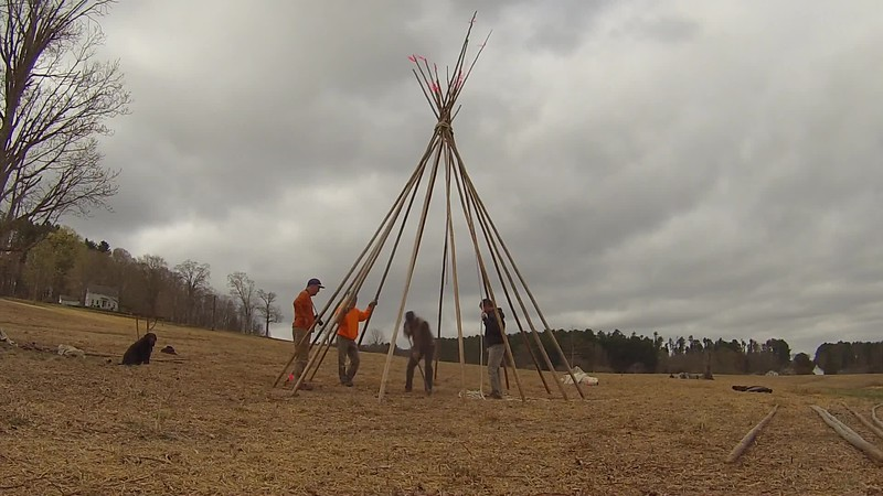 Putting up the Teepee 2017