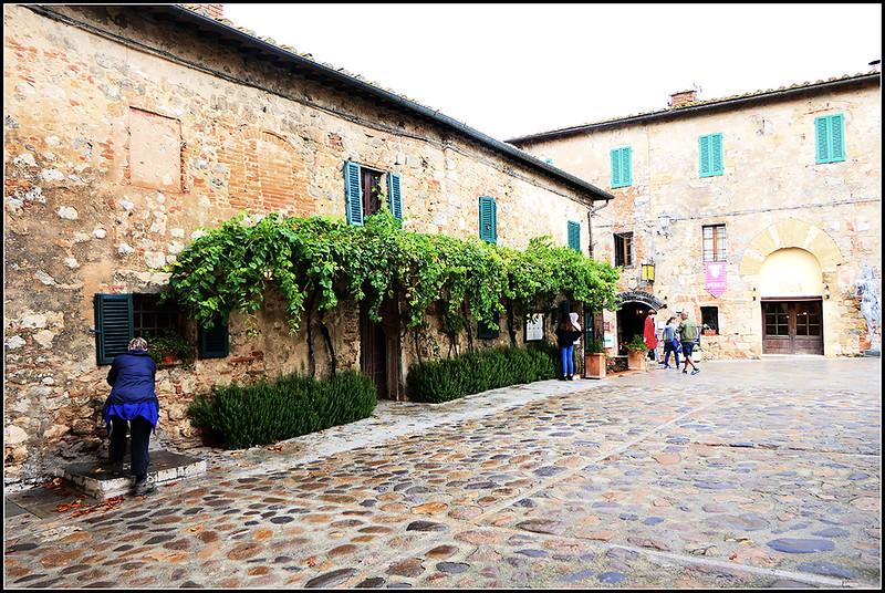 2019-09-Monteriggioni-061-.jpg