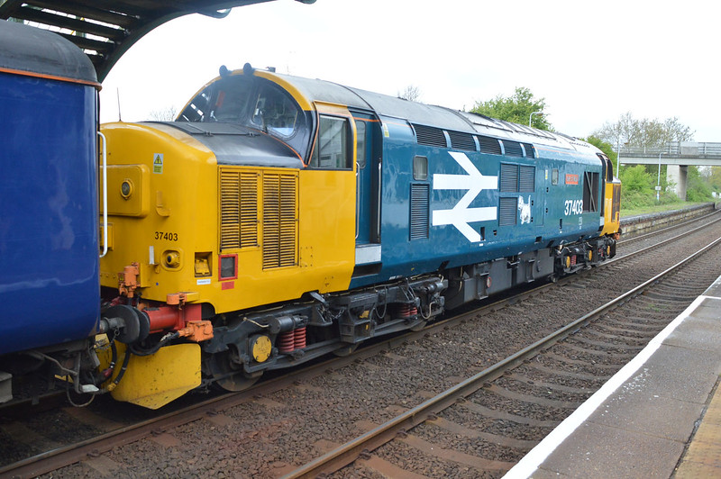37403 tnt 37423 at Acle at 1130 on Great Yarmouth-Norwich service.