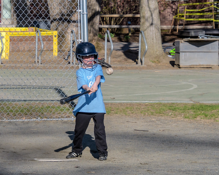 Ciaráns First Baseball Game -_5000560.jpg