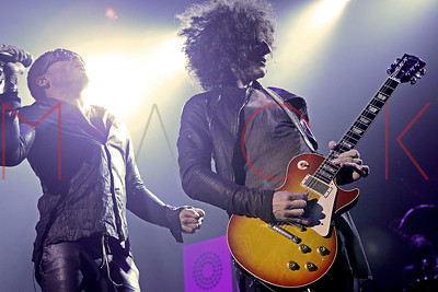NEW YORK, NY - AUGUST 31:  Lenny Kravitz performs at Terminal 5.