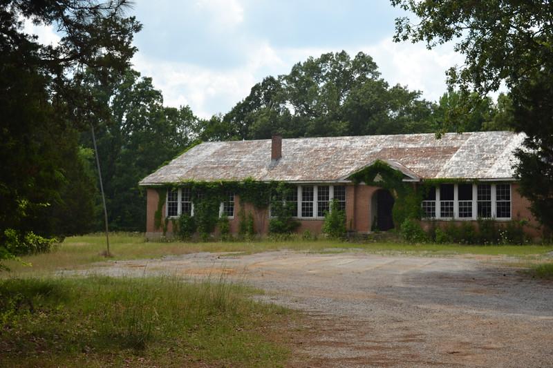 004-abandoned-school-reform-ms_14257869246_o.jpg