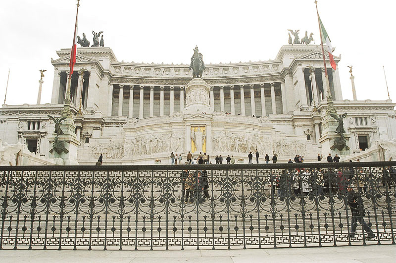 Friday_Mussolini_s_Palace_3