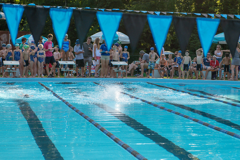 lcs_swimming_kevkramerphoto-023.jpg