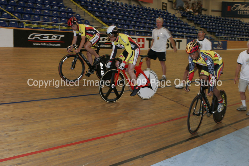 09SCNCATrackChamps_9881.JPG