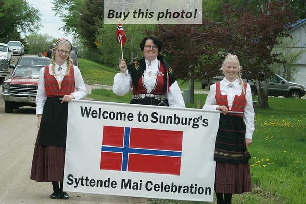 Sunburg Syttenda Mai parade
