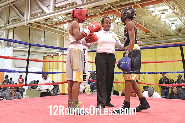 Bout 17 Daryl White, Red Gloves, OTR, Cinci -vs- Michael Dawson, Blue Gloves, OTR , Cinci, 95 Lbs, 14-15 Yrs