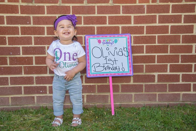 OliviaIs1-106.jpg