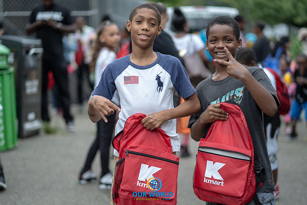 Gwinin Gives 2nd Annual Back to school Event (8.19.18)