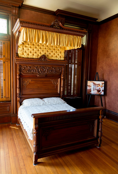 Another bedroom with canopy bed