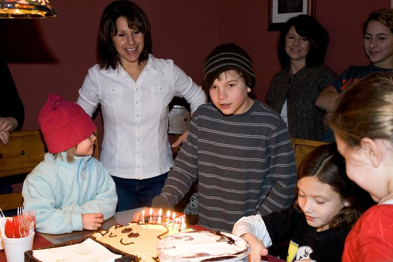 birthdays_120510_0013.jpg