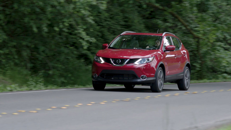 2017 Nissan Rogue Sport SL Driving Reel