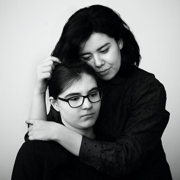 200f2-ottawa-headshot-photographer-Alex's Friends 19 May 201948790-Zoe and Sarah-Hi-Res.jpg