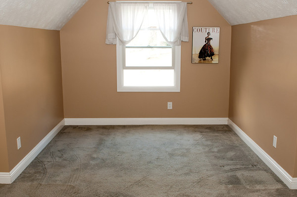 2012.02.18 Bonus Room Hardwood Floors