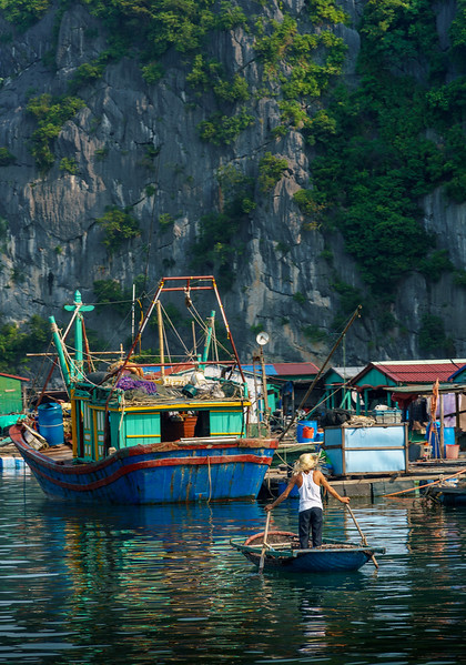 Colorful life scene at Halong Bay.