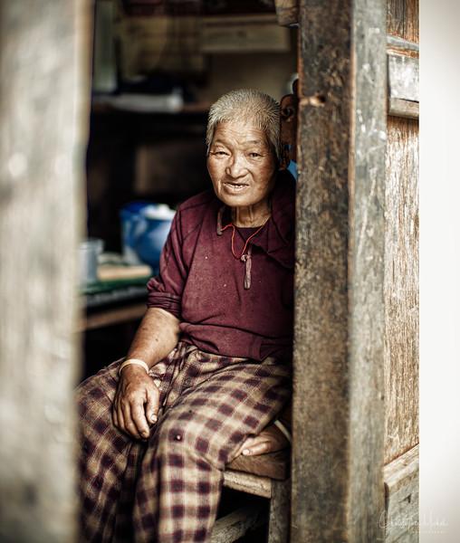 punakha-dzong_chorten-nebu_20120917_9434.jpg