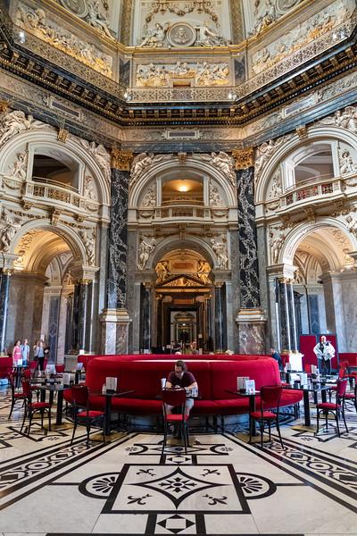 Vienna Museum of Fine Arts cafe