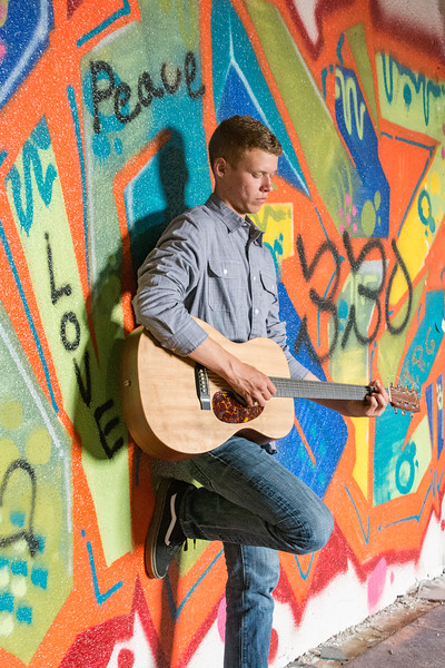 Andrew-Guitar-Rubber-bowl-inside-graffiti2.jpg