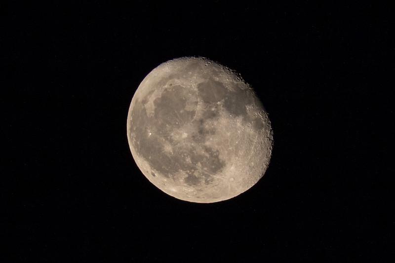 moon 180927220134 3250.jpg