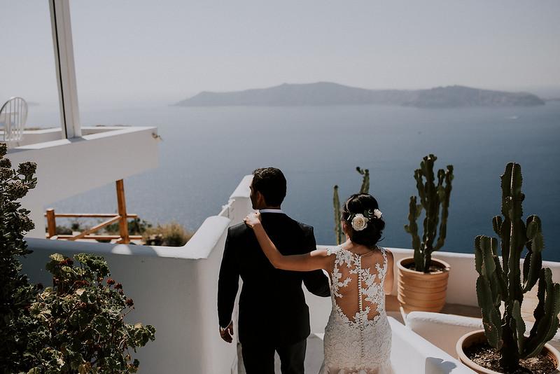 Tu-Nguyen-Destination-Wedding-Photographer-Santorini-Rocabella-Hotel-Euna-Ehsan-193.jpg