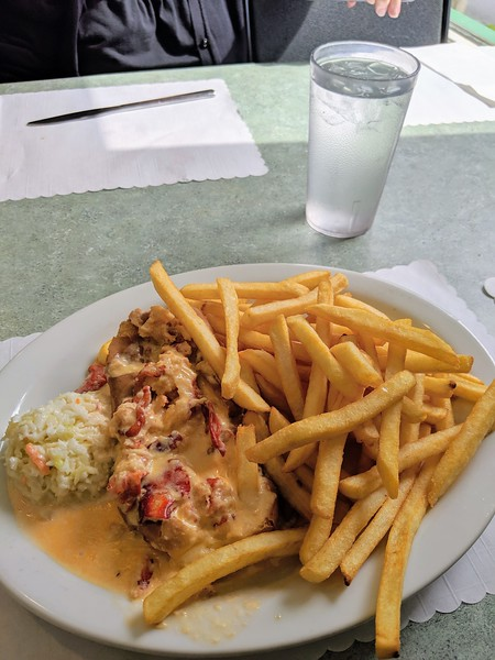 Blarney Stone hot lobster roll 2.jpg