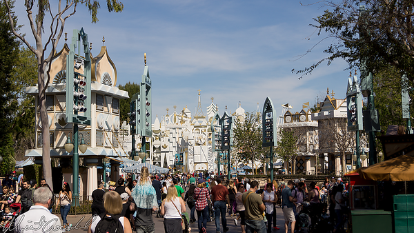 Disneyland Resort, Disneyland, Fantasyland, it's a small world, Mall