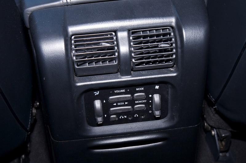 Rear cabin controls
