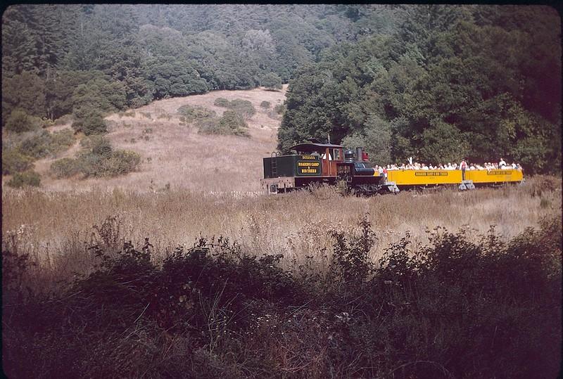 1963 09 Narrow gauge train 2.jpg