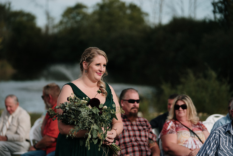 rustic_ohio__fall_barn_wedding-204.jpg