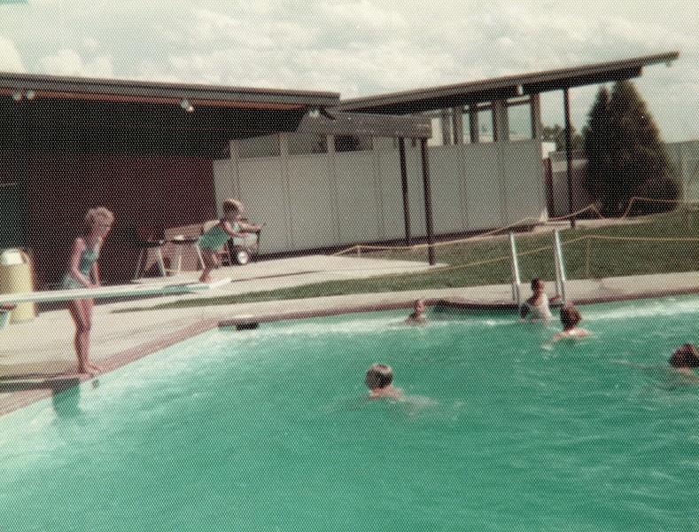 121183-ALB-1976-1-042.jpg