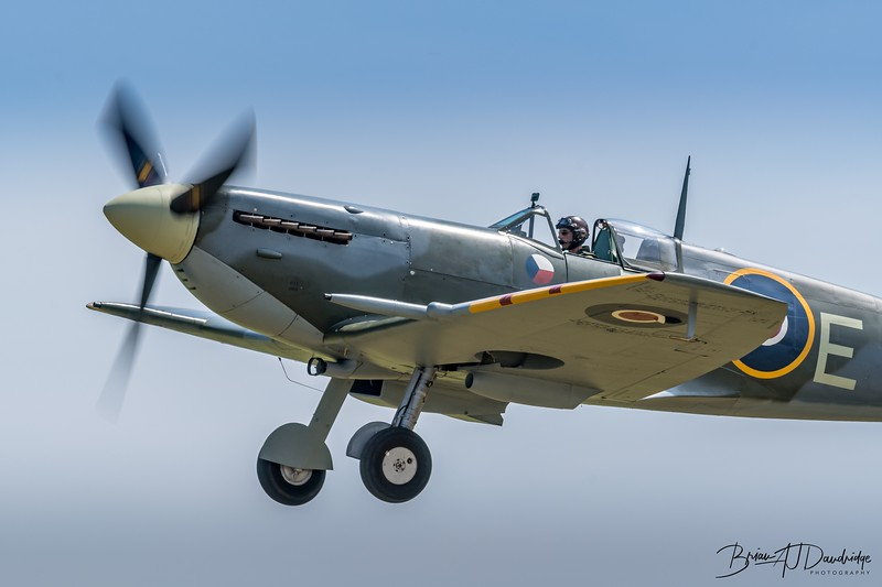 Shuttleworth Spitfire Mk.V AR501