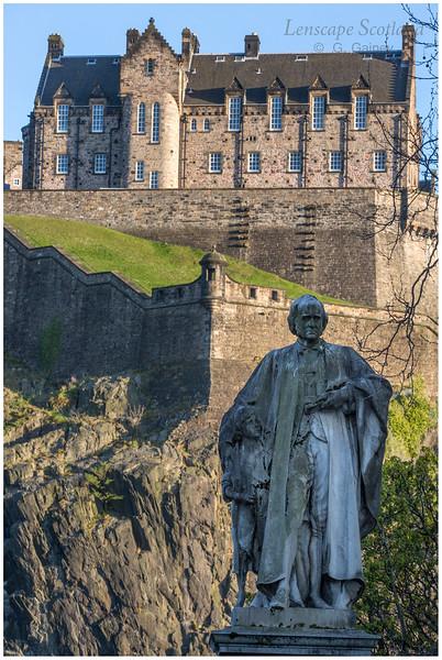 Thomas Guthrie statue and Edinburgh Castle