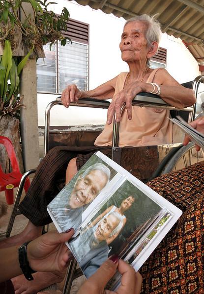 old_woman1.jpg