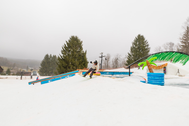 Pool-Party-Jam-2015_Snow-Trails-585.jpg
