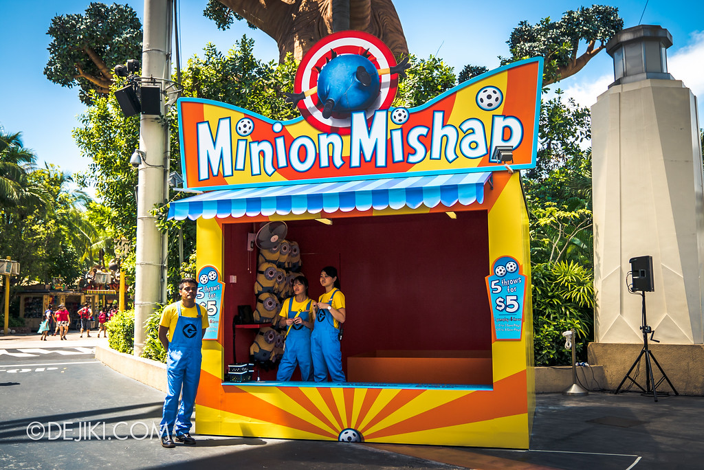 Despicable Me Breakout Party at Universal Studios Singapore / Minion Mishap game booth