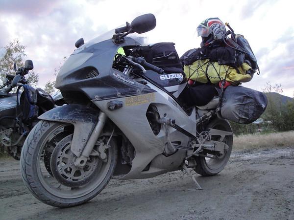 IMAGE: http://www.motoception.com/photos/i-ZxJGX5W/0/M/i-ZxJGX5W-M.jpg