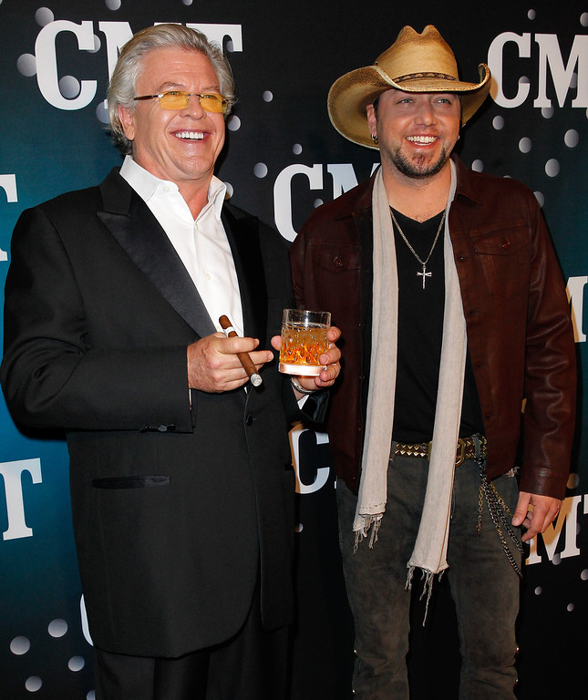. Host Ron White and Jason Aldean attend CMT Artists Of The Year 2013 on December 3, 2013 in Nashville, Tennessee.  (Photo by Terry Wyatt/Getty Images)