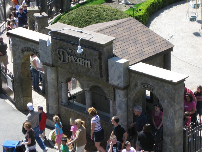 Da Vinci's Dream entrance.
