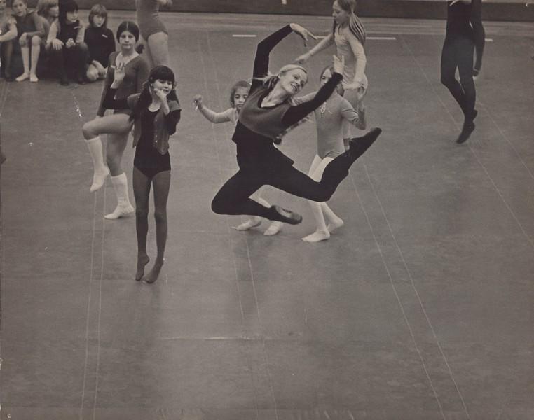 Dance_2545.jpg